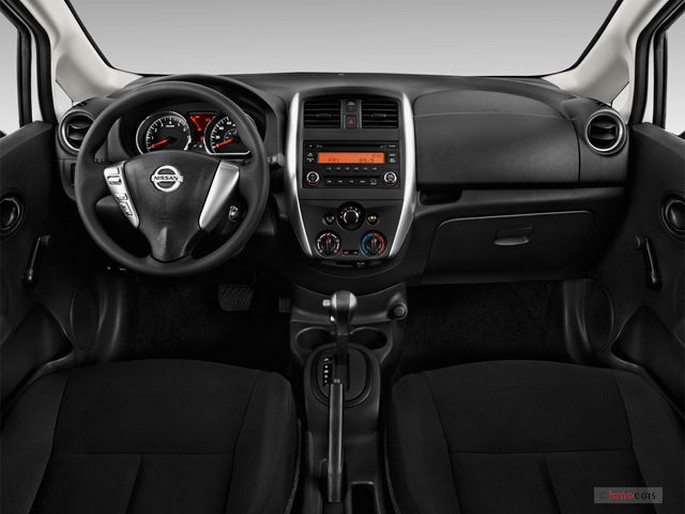 Click to enlarge image interiores-nissan-versa-2017-1.jpg